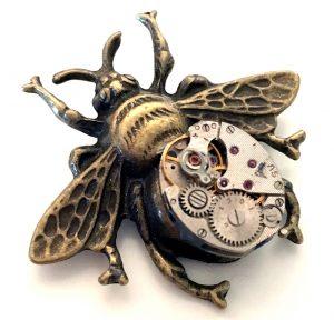 Steampunk Brosche 28 in Form einer Biene