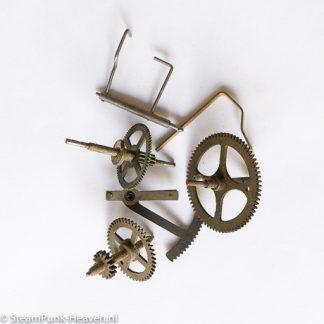 steampunk baupaket 81 uhrteile f r den ambitionierten bastler. Black Bedroom Furniture Sets. Home Design Ideas