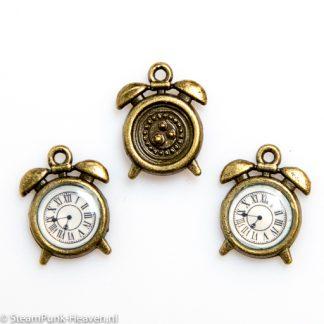 Steampunk Uhr 19