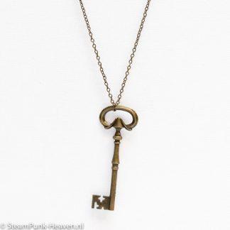 Steampunk Kette 6 ist eine Bronzefarbene Kette mit grossem Schlüssel aus Metal. Der Anhänger is auch Bronzefarben mit einem Steampunk Symbol: einem grossen Schlüssel. Der Schlüssel is 8 cm lang. Die Kette ist im offenen Zustand 60 cm lang.